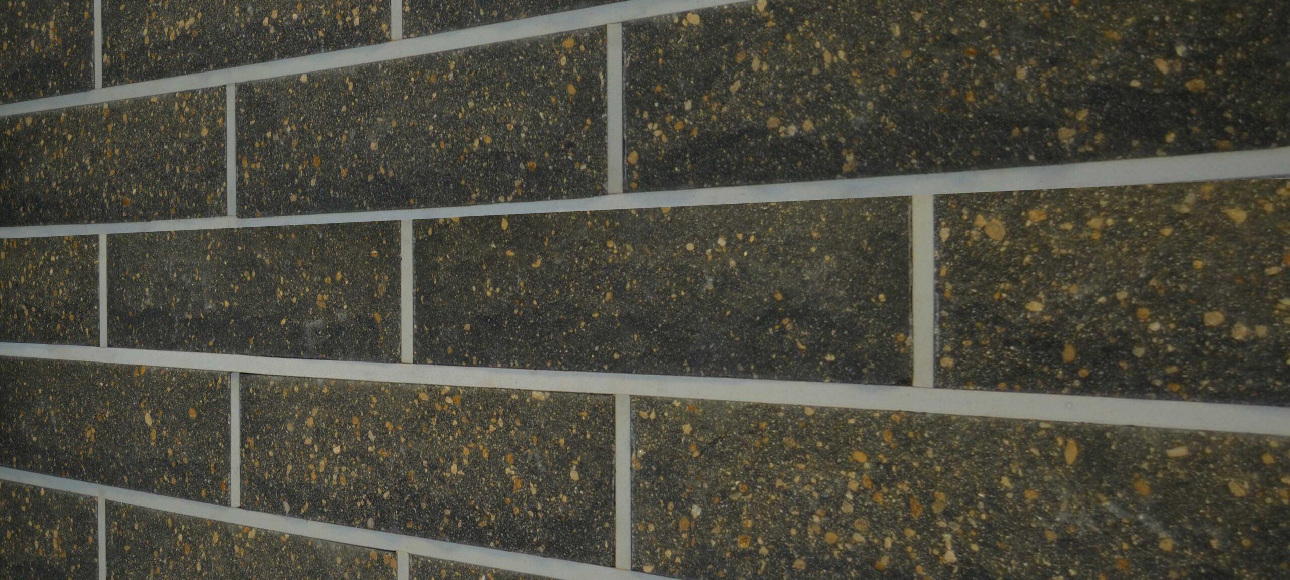 Фотография кладка скала Литос серый
