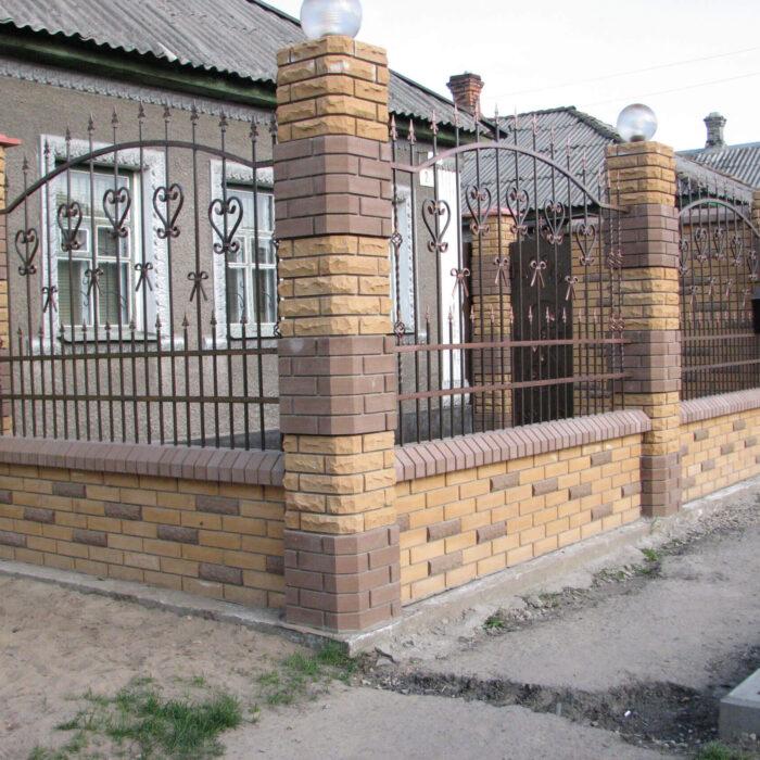 Фото кирпич Литос забор